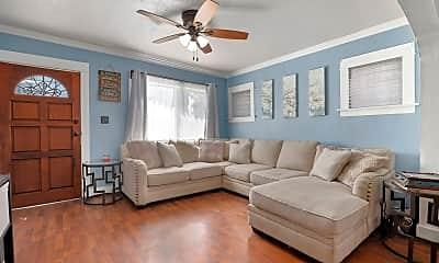 Living Room, 539 W Elm St, 1