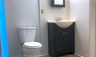 Bathroom, 523 E Mifflin St, 1