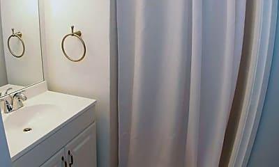 Bathroom, 194 E Lee St, 2
