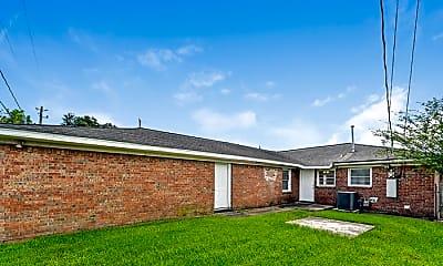 Building, 808 Sage Dr, 2