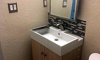 Bathroom, 225 E New Hampshire St, 2