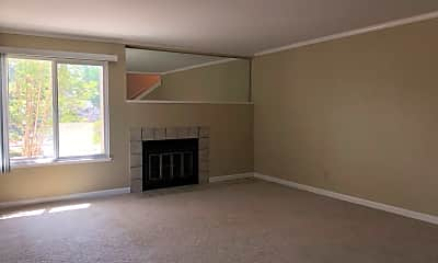 Living Room, 39993 Fremont Blvd, 1