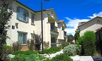 La Mirage Apartments, 0