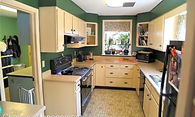 Kitchen, 915 NW 27th St, 1