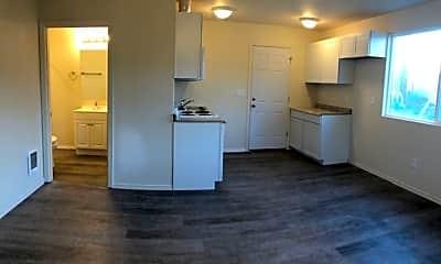 Kitchen, 5880 Gray St, 1