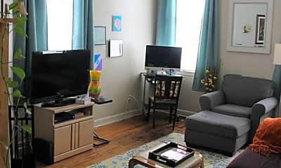 Living Room, 338 N Columbus St, 1