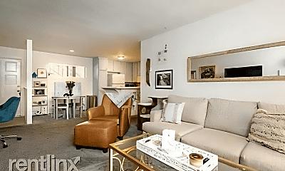 Living Room, 4647 Pico St, 1