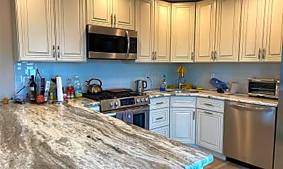 Kitchen, 77 Parma Rd UPPER, 1