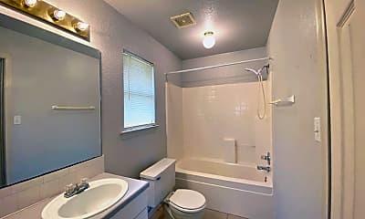 Bathroom, 107 Honey Bee Dr, 2