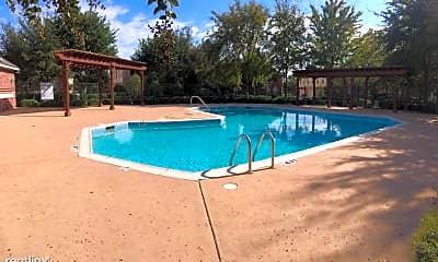 Pool, 4011 Kyndra Cir, 2