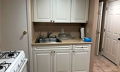 Kitchen, 12340 Moorpark St, 0