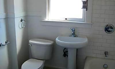 Bathroom, 448 40th St, 2