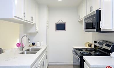 Kitchen, 536 S Manhattan Pl 325, 0