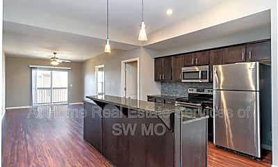 Kitchen, 1200 W Walnut St, 0