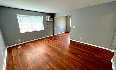 Living Room, 6362 Corbly Rd 1, 1