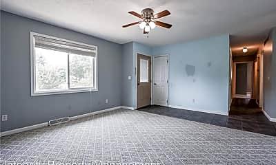 Bedroom, 102 Redbud Cir, 1