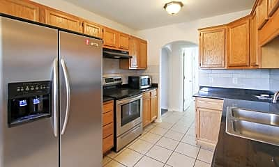 Kitchen, 321 Coopers Farm Rd, 1