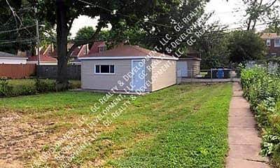 Building, 10153 S Crandon Ave, 2
