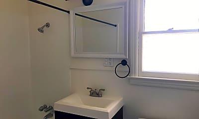 Bathroom, 2021 El Reno Ln, 2