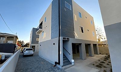 Building, 11318 Miranda St, 0