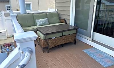 Patio / Deck, 29 N Iroquois Ave, 2