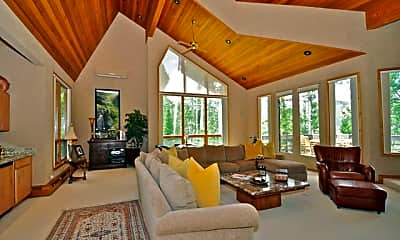Living Room, 491 Edgewood Ln, 1