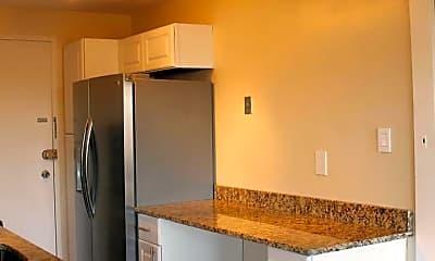 Kitchen, 10201 Grosvenor Pl 1206, 1