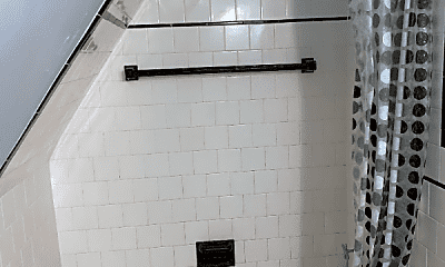 Bathroom, 252 Wayland Ave, 2
