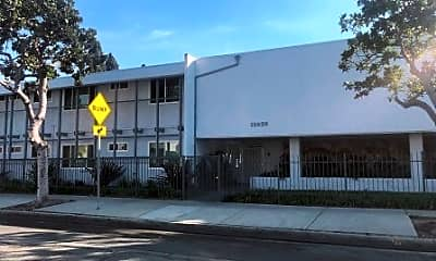 Building, 12926 Doty Ave 29, 0