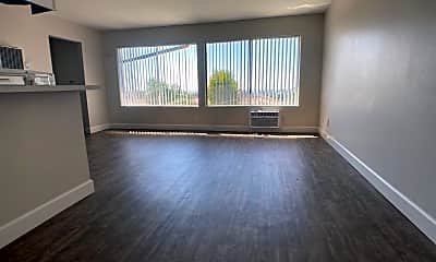 Living Room, 13704 Franklin St, 1