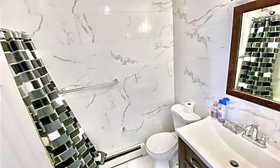 Bathroom, 1754 Lacombe Ave 3, 2