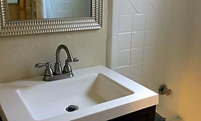 Bathroom, 305 Stewart St, 2