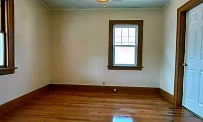 Bedroom, 1311 Yonge St, 1