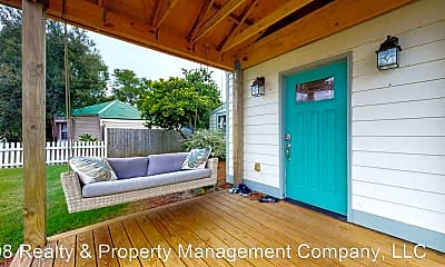 Patio / Deck, 502 3rd Ave, 1