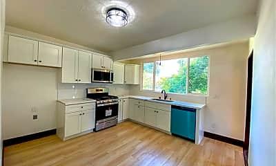 Kitchen, 507 E 8th St, 1