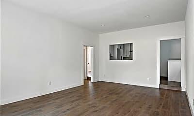 Living Room, 761 W Sepulveda St, 2