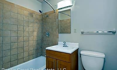 Bathroom, 201 NE 40th St, 2