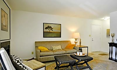 Living Room, Treetops At Chester Hollow, 1