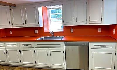 Kitchen, 31 Ledge Ave, 2