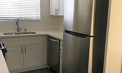 Kitchen, 4179 Chamoune Ave, 2