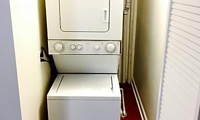 Bathroom, 2765 W Francis Pl 1, 2
