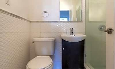 Bathroom, 636 Michigan Ave, 2