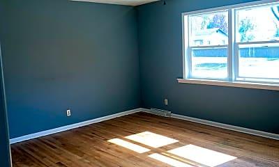 Living Room, 429 W Hillcrest St, 1
