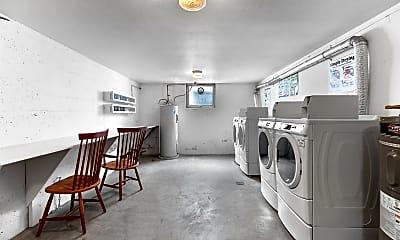 Bathroom, 1330 12th Ave S, 2