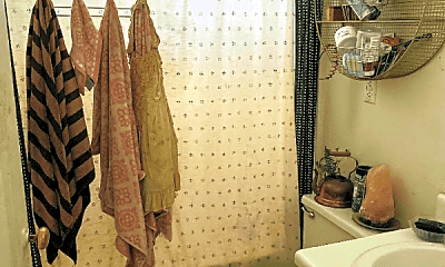 Bathroom, 203 N Plum St, 2