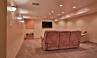 Living Room, 6716 Bluffview Circle, 2
