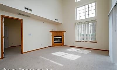 Living Room, 420 5th St, 1