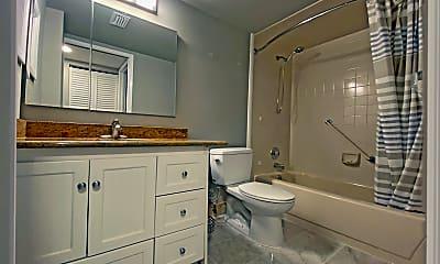 Bathroom, 7185 Huntington Ln 404, 2