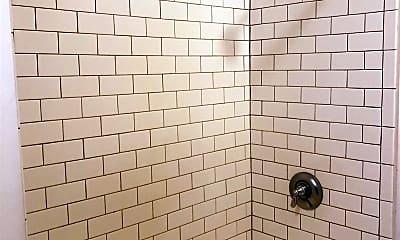 Bathroom, 288 Whitwell St, 2