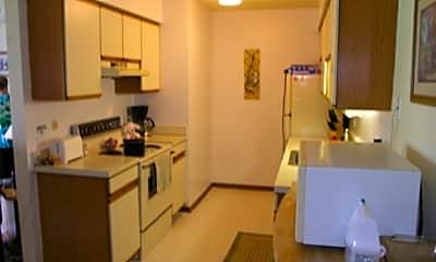 Greenwoods Apartments, 1
